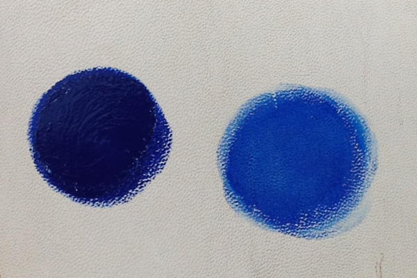 左:クリーム100%のまま塗布 右:水で薄めて塗布