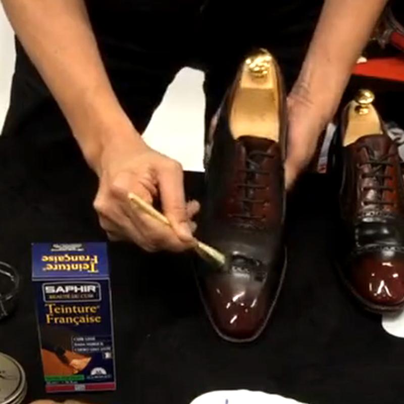 ダイフレンチリキッドを使ってコードバンの靴を染め直します。