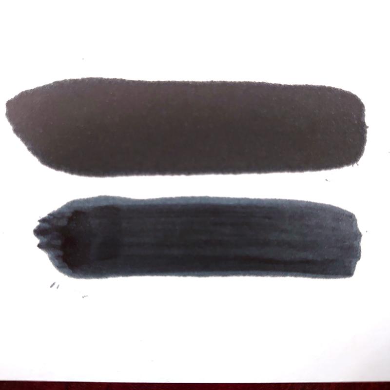 ディープブラックとブラックの比較画像