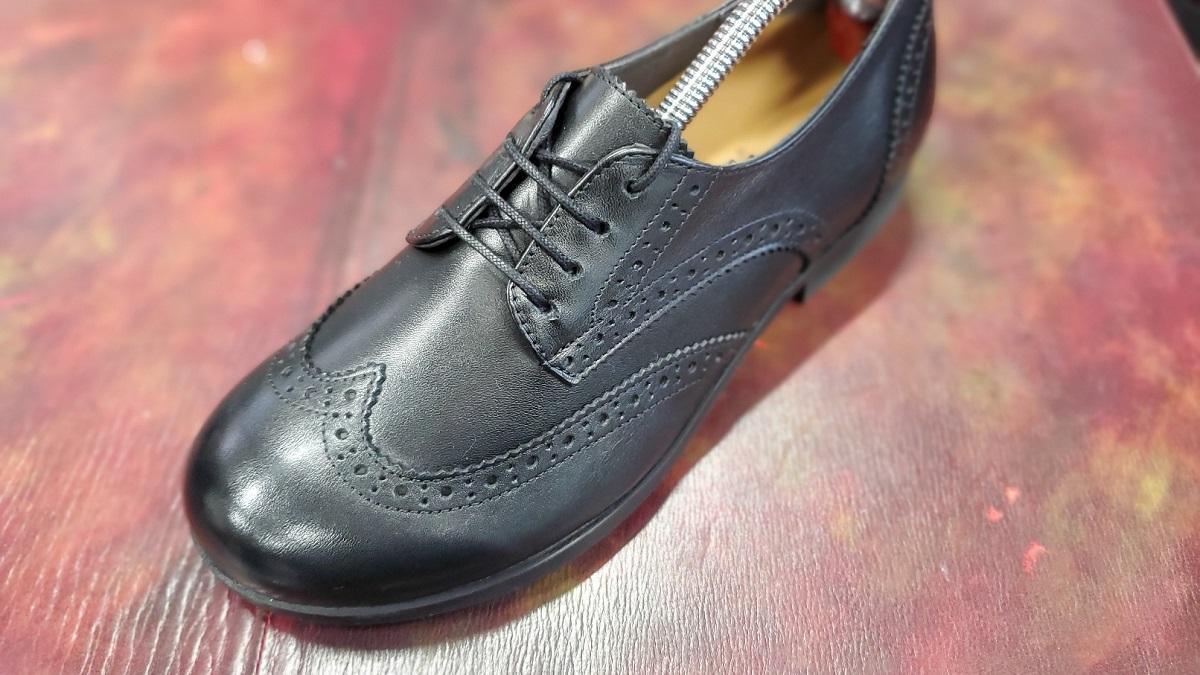 新人スタッフ ayuさんの私物の靴の画像です。