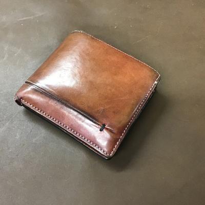 サフィールユニバーサルレザーローションでお手入れした革製財布