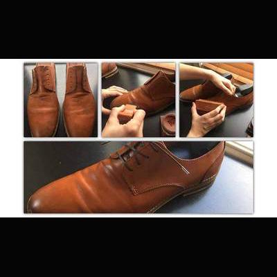 茶系の靴を磨いている画像_ShoseLife