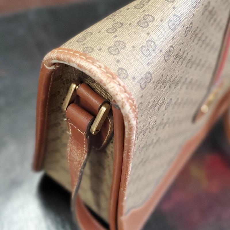 ayuさんの入念なチェックで気になったバッグのダメージ 1つ目