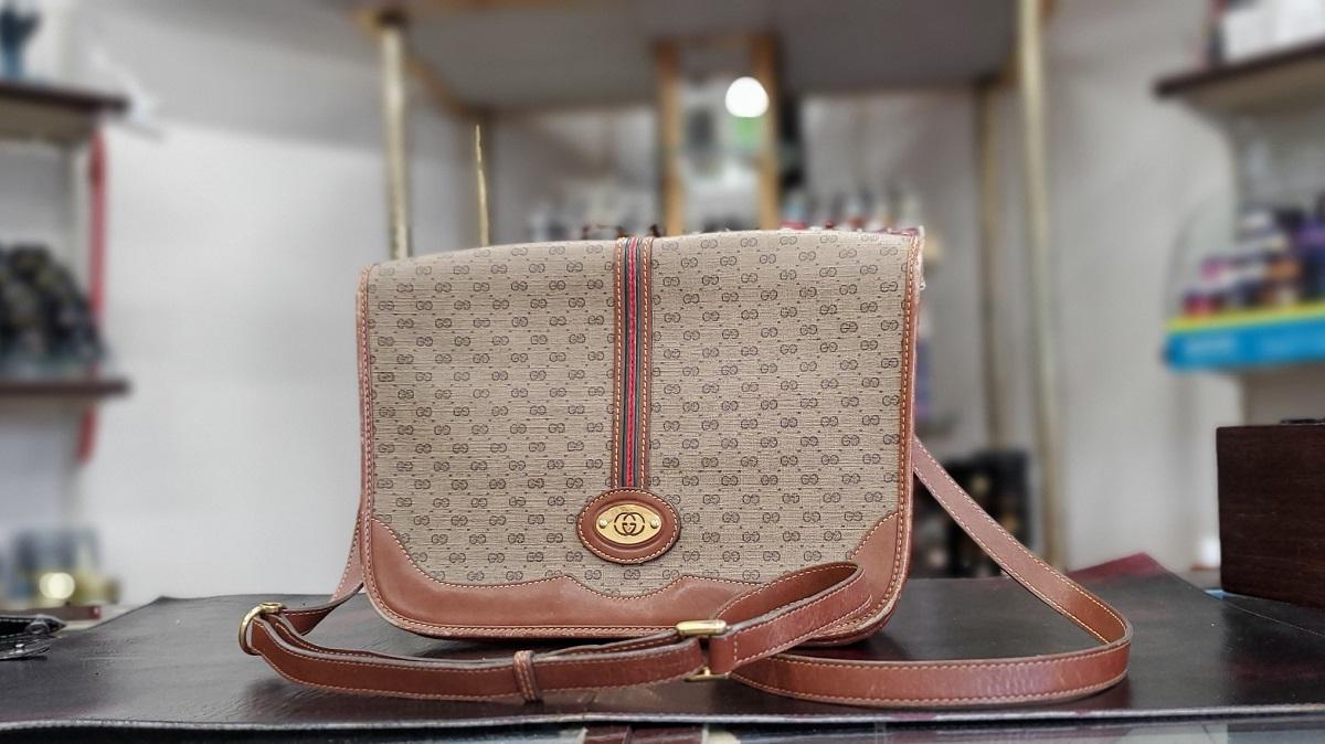 ayuさんが古着屋さんで出会ったバッグの画像です。