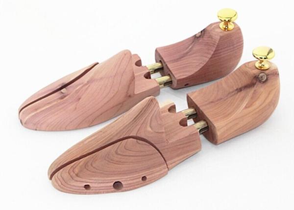 引用元:SHOE TREE PROJECT How To Tell If You Have Real Cedar Wood